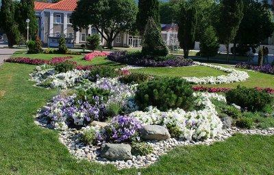 Из-за морозов на курорте отложили высадку 200 тысяч цветов
