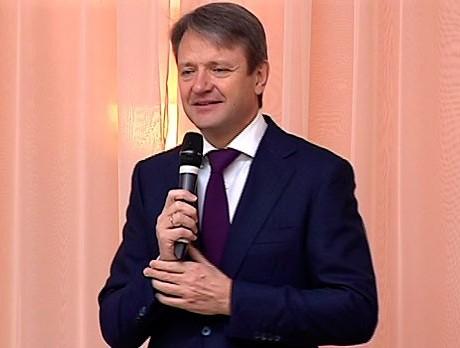 Александр Ткачев поздравил женщин Кубани с 8 марта
