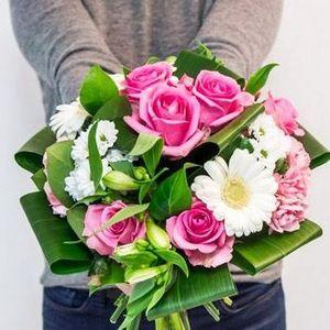 Доставка свежих цветов по приятным ценам